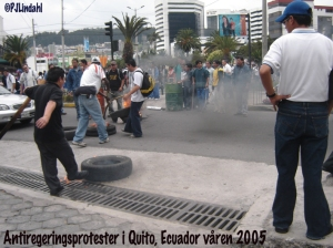 quito-protester10-april05